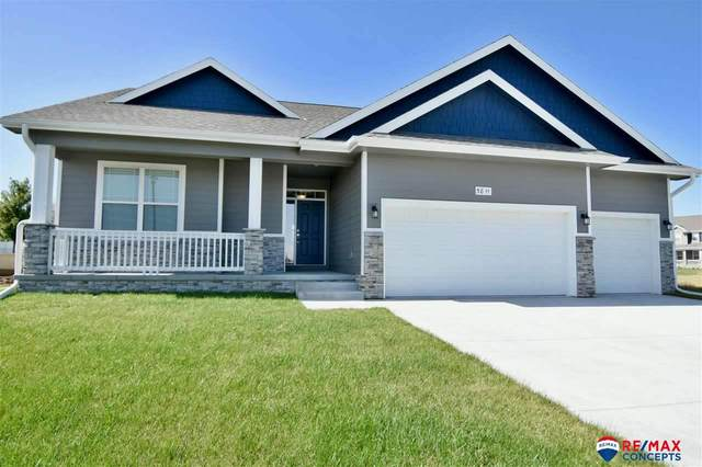 5811 Opus Drive, Lincoln, NE 68526 (MLS #22013074) :: Dodge County Realty Group