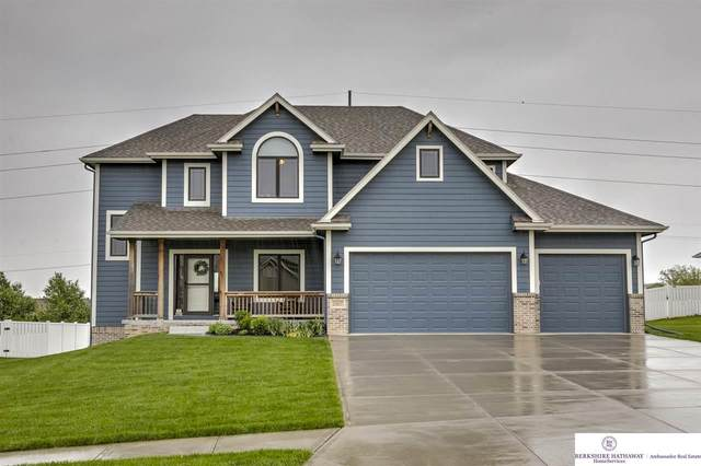 13817 S 49 Street, Papillion, NE 68133 (MLS #22013159) :: Complete Real Estate Group