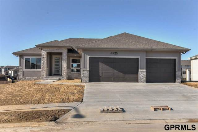 12714 S 77th Street, Papillion, NE 68046 (MLS #22013188) :: Complete Real Estate Group