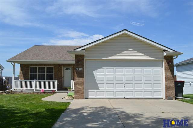 2014 Breckenridge Drive, Lincoln, NE 68521 (MLS #22013209) :: The Briley Team