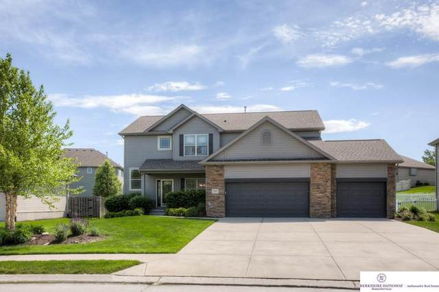17007 Emiline Street, Omaha, NE 68136 (MLS #22013234) :: Complete Real Estate Group