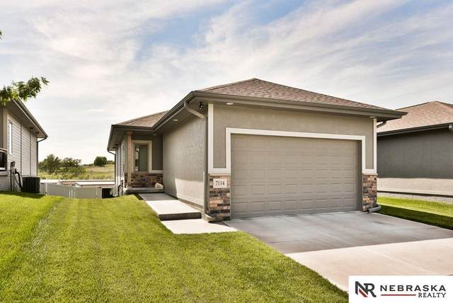 7114 N 154th Street, Omaha, NE 68007 (MLS #22013306) :: Omaha Real Estate Group