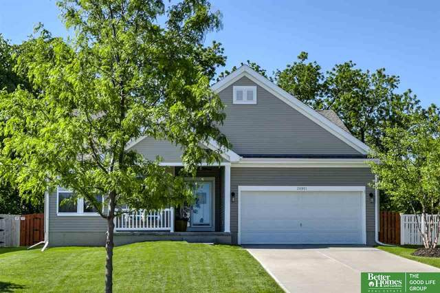 20951 Veterans Drive, Elkhorn, NE 68022 (MLS #22013310) :: The Briley Team