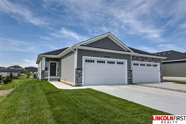 8659 Covenant Court, Lincoln, NE 68526 (MLS #22013322) :: Stuart & Associates Real Estate Group