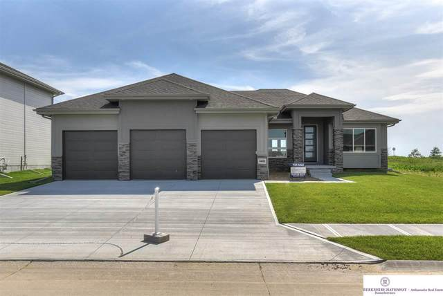 4408 S 219th Street, Elkhorn, NE 68022 (MLS #22013389) :: The Briley Team