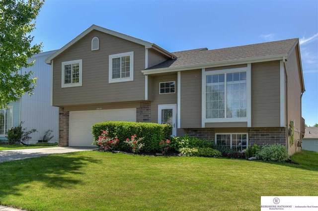 14474 Larimore Avenue, Omaha, NE 68116 (MLS #22013391) :: Stuart & Associates Real Estate Group