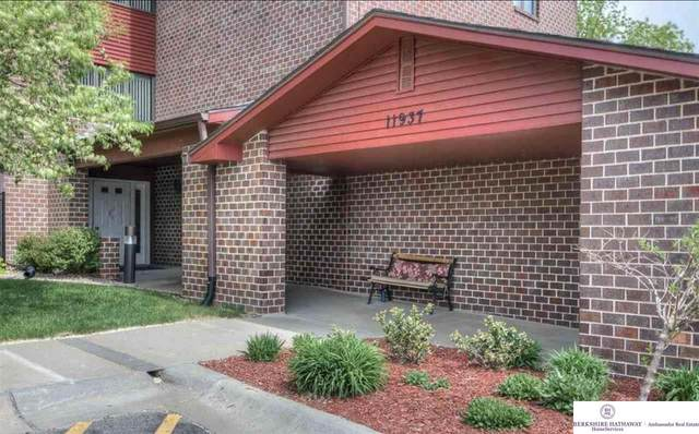 11937 Miracle Hills Drive #5, Omaha, NE 68154 (MLS #22013398) :: kwELITE