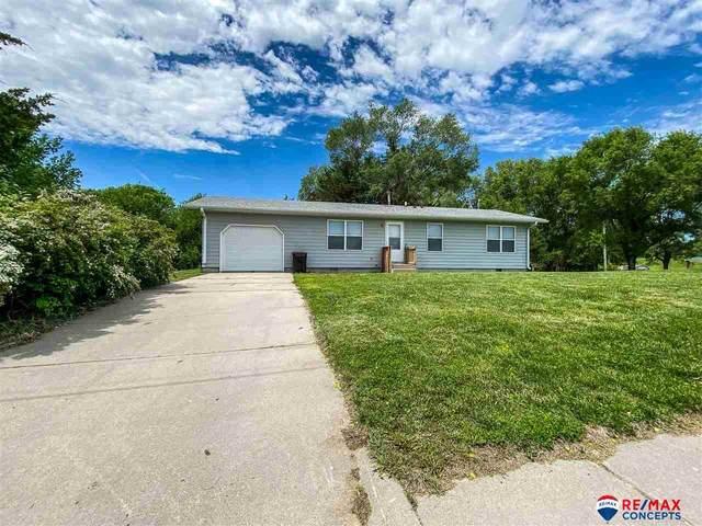 812 Buell Avenue, Ravenna, NE 68869 (MLS #22013415) :: kwELITE