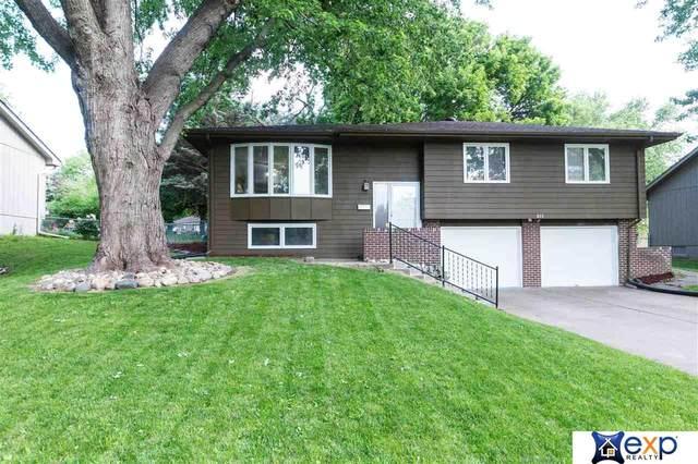 811 Matthies Drive, Papillion, NE 68046 (MLS #22013418) :: Stuart & Associates Real Estate Group