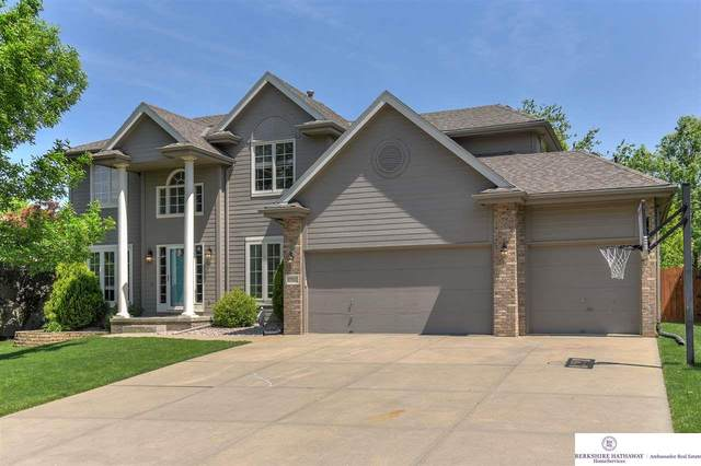 17522 J Street, Omaha, NE 68135 (MLS #22013440) :: Dodge County Realty Group