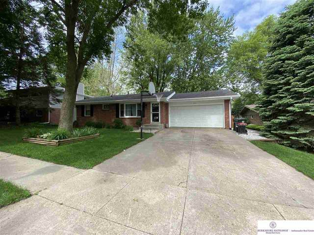 931 Rosewood Drive, Lincoln, NE 68510 (MLS #22013448) :: Stuart & Associates Real Estate Group
