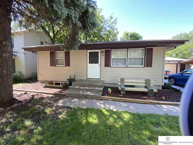 3931 Madison Avenue, Lincoln, NE 68504 (MLS #22013463) :: Stuart & Associates Real Estate Group