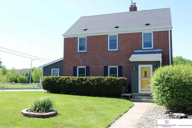4201 William Street, Omaha, NE 68105 (MLS #22013474) :: Catalyst Real Estate Group