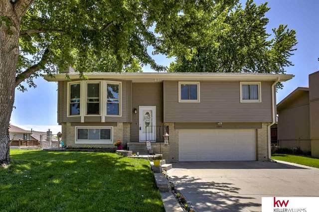 13559 Lillian Street, Omaha, NE 68138 (MLS #22013479) :: kwELITE