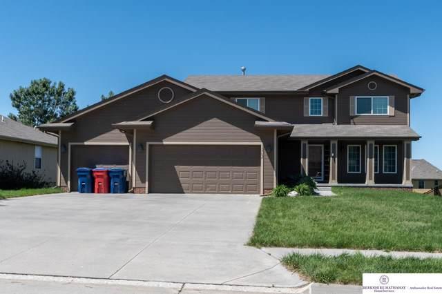 13702 S 43 Street, Bellevue, NE 68123 (MLS #22013510) :: kwELITE