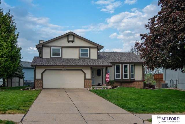 9903 S 9 Avenue, Bellevue, NE 68123 (MLS #22013521) :: Stuart & Associates Real Estate Group