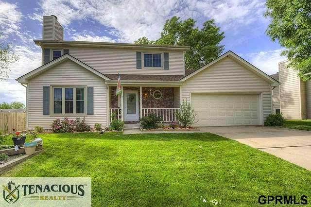 717 W Cuming Street, Lincoln, NE 68521 (MLS #22013533) :: Stuart & Associates Real Estate Group