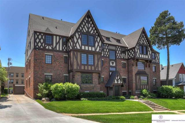 4907 Davenport Street #8, Omaha, NE 68132 (MLS #22013559) :: Omaha Real Estate Group
