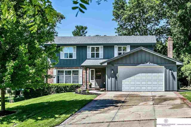 742 Leawood Drive, Omaha, NE 68154 (MLS #22013566) :: The Briley Team