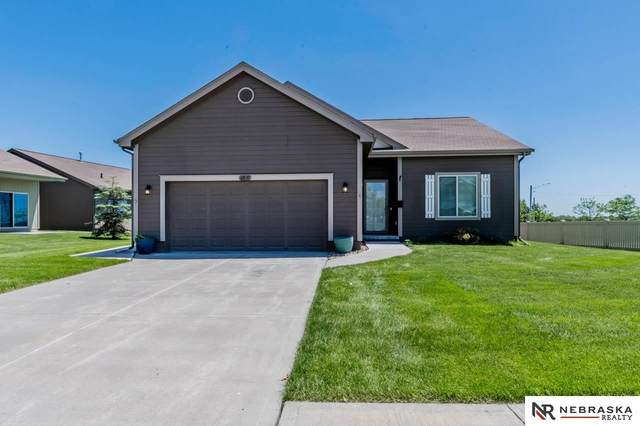 6919 N 141st Circle, Omaha, NE 68142 (MLS #22013581) :: Dodge County Realty Group