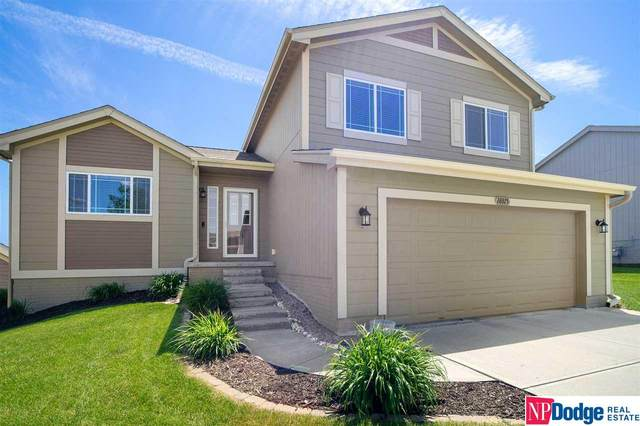 18815 Washington Street, Omaha, NE 68135 (MLS #22013639) :: The Briley Team