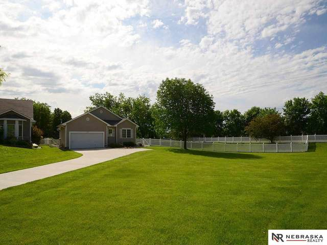 9209 Hillcrest Drive, La Vista, NE 68128 (MLS #22013695) :: Omaha Real Estate Group