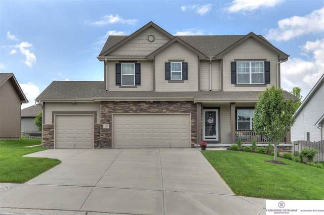 19309 I Street, Omaha, NE 68135 (MLS #22013708) :: One80 Group/Berkshire Hathaway HomeServices Ambassador Real Estate