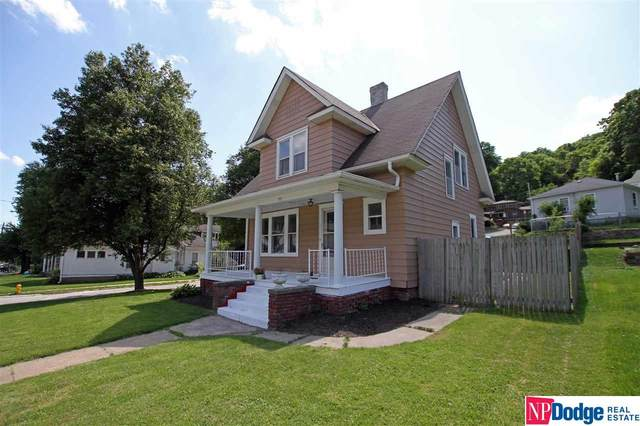 310 Harrison Street, Council Bluffs, IA 51503 (MLS #22013725) :: Stuart & Associates Real Estate Group