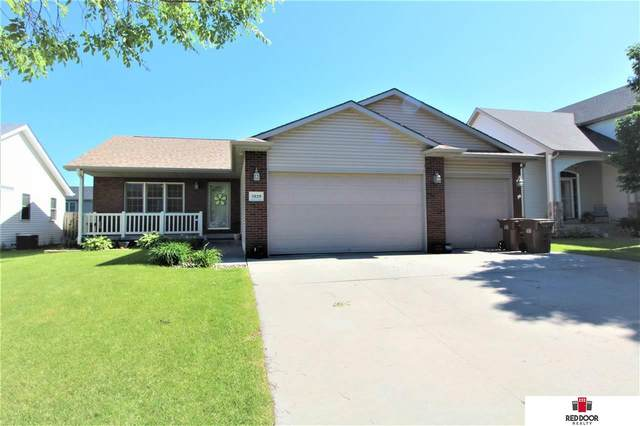 5929 Bridle Lane, Lincoln, NE 68516 (MLS #22013727) :: Dodge County Realty Group
