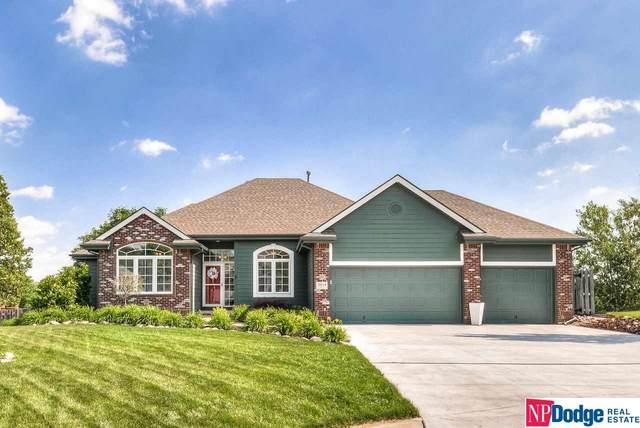 18114 Howe Circle, Omaha, NE 68130 (MLS #22013771) :: Dodge County Realty Group