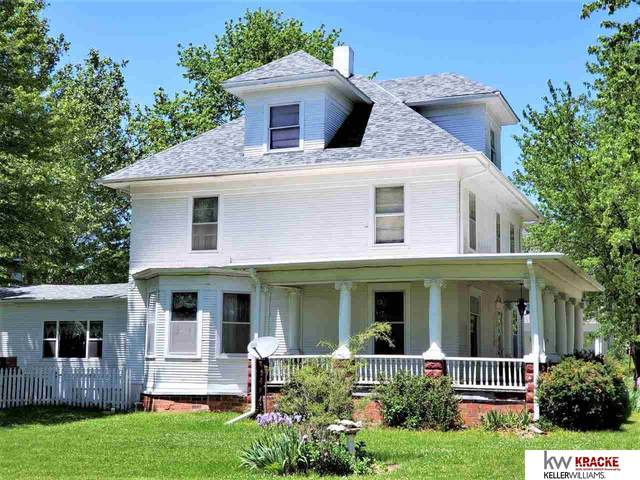 145 N Cottonwood Avenue, Clatonia, NE 68328 (MLS #22013949) :: Omaha Real Estate Group