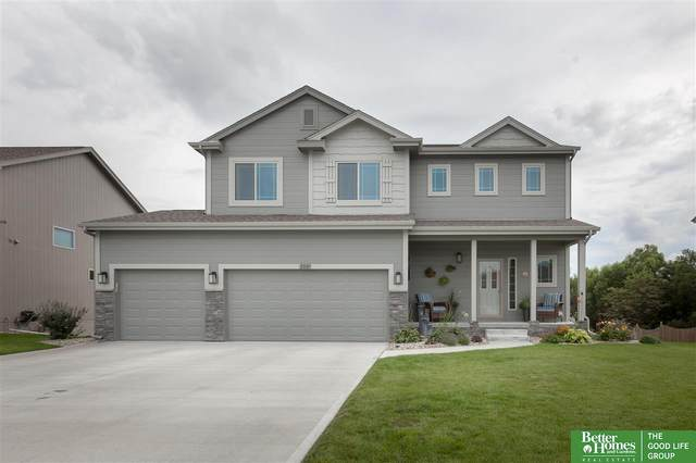 2007 Meadowlark Lane, Bellevue, NE 68123 (MLS #22014213) :: The Briley Team