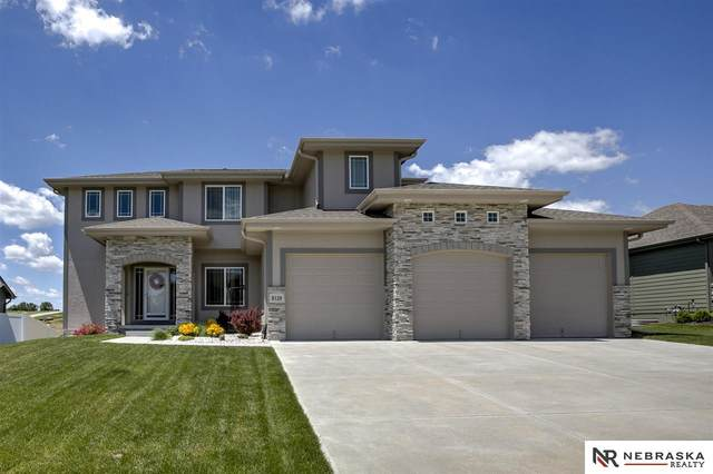 8128 S 194th Street, Gretna, NE 68028 (MLS #22014289) :: Dodge County Realty Group