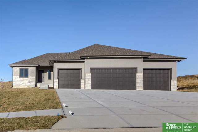 7280 N 172nd Street, Bennington, NE 68007 (MLS #22014317) :: kwELITE