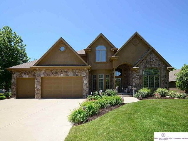 1302 Ranch View Lane, Omaha, NE 68022 (MLS #22014347) :: Dodge County Realty Group
