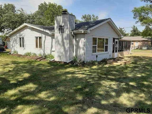680 Lakeside Circle, Ashland, NE 68003 (MLS #22014654) :: kwELITE