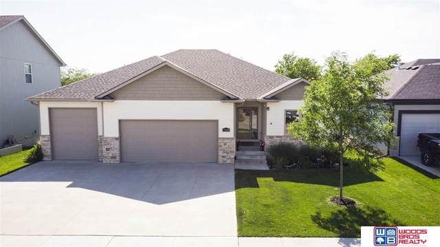 7545 S 77 Street, Lincoln, NE 68516 (MLS #22014677) :: Dodge County Realty Group