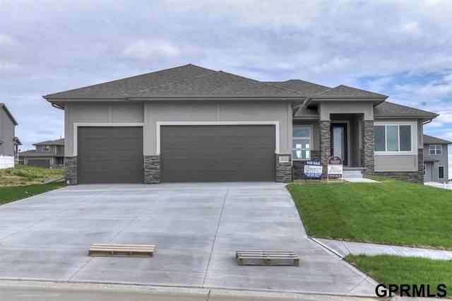18404 Merion Drive, Omaha, NE 68136 (MLS #22014810) :: Dodge County Realty Group