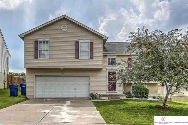 7467 N 111 Street, Omaha, NE 68142 (MLS #22015033) :: Lincoln Select Real Estate Group