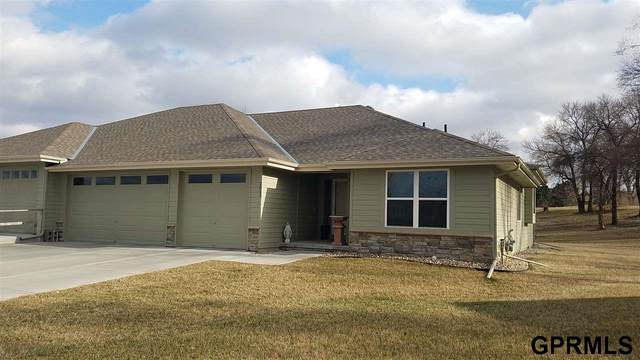 2823 Lakeside Drive, Plattsmouth, NE 68048 (MLS #22015039) :: Cindy Andrew Group