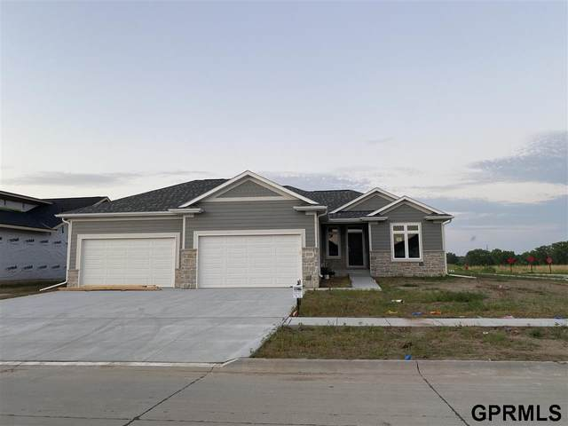 9420 Green Valley Lane, Lincoln, NE 68516 (MLS #22015048) :: Dodge County Realty Group