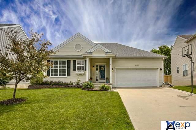 11331 Northridge Drive, Gretna, NE 68028 (MLS #22015099) :: Capital City Realty Group