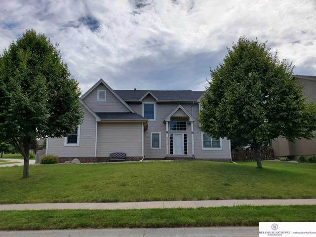 2811 John Street, Papillion, NE 68133 (MLS #22015132) :: kwELITE
