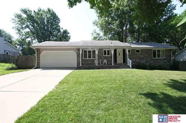 8031 Trendwood Drive, Lincoln, NE 68506 (MLS #22015544) :: kwELITE