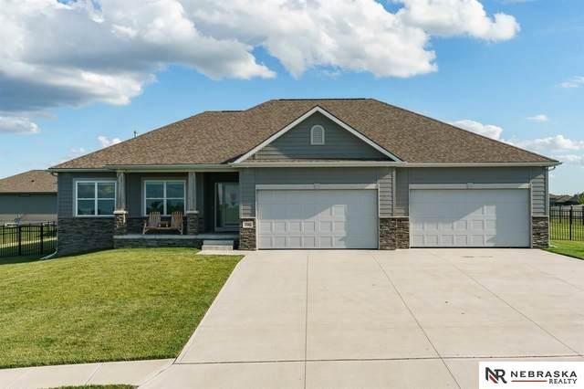 18201 Stargrass Road, Bennington, NE 68007 (MLS #22015574) :: The Briley Team