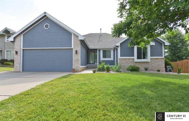 403 Fleetwood Drive, Papillion, NE 68133 (MLS #22015585) :: The Briley Team