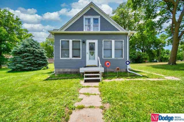 211 W Cedar Street, Cedar Bluffs, NE 68015 (MLS #22015671) :: kwELITE