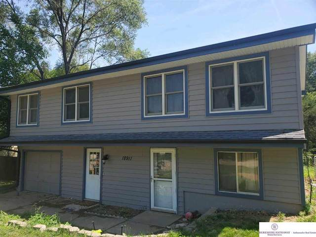 18911 Benton Boulevard, Elkhorn, NE 68022 (MLS #22015694) :: One80 Group/Berkshire Hathaway HomeServices Ambassador Real Estate