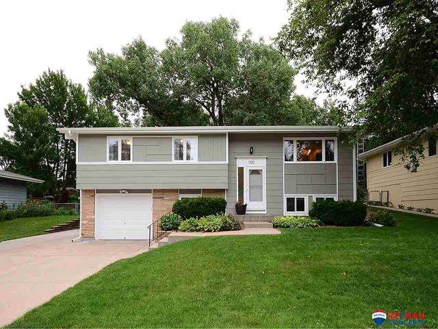 1100 N 78th Street, Lincoln, NE 68505 (MLS #22015709) :: kwELITE