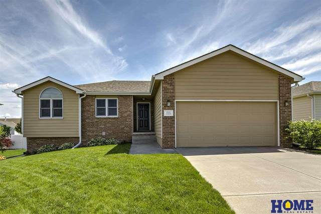 8811 Leighton Avenue, Lincoln, NE 68507 (MLS #22015833) :: Lincoln Select Real Estate Group